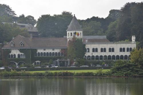 Le château du lac ,un 5 étoiles et services thalasso