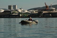 Schlauchboot Sevylor Supercaravelle XR86GTX ( Super - Caravelle - Gummiboot ) auf dem Rhein ( Hochrhein - Fluss - River ) zwischen W.ehr A.ugst - W.hylen und W.ehr B.irsfelden im Kanton Basel Landschaft in der Schweiz (chrchr_75) Tags: chriguhurnibluemailch christoph hurni schweiz suisse switzerland svizzera suissa swiss chrchr chrchr75 chrigu chriguhurni 1410 oktober 2014 albumzzzz141019rheinrheinfeldenbirsfelden hurni141019 oktober2014 schlauchboot gummiboot gummiboote schlauchboote boot jolle dinghy boat jolla canot  sloep bote albumschlauchbootegummibooteunterwegsinderschweiz btle sevylor super caravelle supercaravelle xr86gtx rhein rhin reno rijn rhenus rhine rin strom europa albumrhein fluss river joki rivire fiume  rivier rzeka rio flod ro