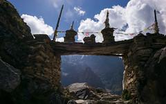 1ere porte de Naar. (pier_yv) Tags: leica nepal mountains 28mm summicron f2 himalaya annapurna naar phu nar manang tilicho m240