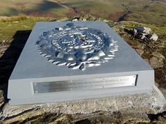 Dumyat (10) (lairig4) Tags: scotland memorial stirling soldiers dumyat ochilhills argylls argyllandsutherlandhighlanders