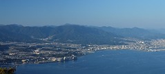 広島市街1.2・The Downtown of Hiroshima City viewed from Miyajima Island (anglo10) Tags: japan seashore 海 瀬戸内海 広島 宮島 弥山 広島湾