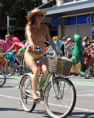 IMG_0444 (kirknelson) Tags: seattle naked nude fremont nakedbikers solsticeparade nudecyclists
