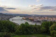 Budapest (Hungria) (U2iano) Tags: budapest hungary hungria danubio danube bridge chain puente cadenas atardecer sunset skyline river rio
