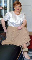 Birgit023964 (Birgit Bach) Tags: pleatedskirt plisseerock buttonthrough durchgeknöpft blouse bluse satin