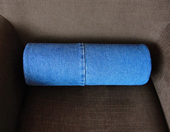 Recycled Jeans Bolster Pillow (Rolkussen van Hergebruikte Jeans) (Made by BeaG) Tags: madebybeag gemaaktdoorbeag pillow pillows kussen kussens bolsterpillow rollpillow rolkussen blue blauw jeans denim recycled upcycled reused hergebruikt gerecycleerd round rond home thuis homedecor recycledjeans hergebruiktejeans beag belgium belgie