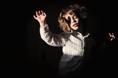 Dancing (Gwenaël Piaser) Tags: luxembourg luxemburg luxemburgo lussemburgo lëtzebuerg unlimitedphotos gwenaelpiaser canon eos 6d canoneos eos6d canoneos6d fullframe 24x36 reflex rawtherapee 85mm 85mmf18 canonef85mmf18usm ef85mmf18usm ef85mm usm ef85mmusm canonef85mm118usm prime ryan child dance dancing enfant january 2017 janvier january2017 chiaroscuro 1000
