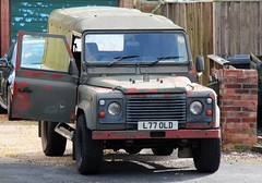L77 OLD (Nivek.Old.Gold) Tags: 1993 land rover defender 90 tdi softtop 2495cc army