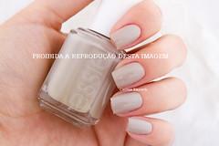 Essie - Playa del Platinum (Cinthia Emerich) Tags: esmalte unha nail nailpolish naillacquer nailenamel nailvarnish essie playadelplatinum