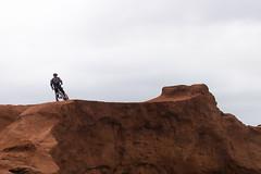 llegar a la cima (AzulMardePlata) Tags: cycling bike mountainbike mtb cima meta ciclista acantilado outdoor outside bicicleta venzo