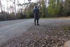 unterwegs im Kleppermantel (lulax40) Tags: gummistiefel klepper kleppermantel kapuze kleppermann gummimann gummikleidung gummimantel gummiregenkleidung rubberboots rubber rainwear regenkleidung rubberfetish rubbergear hunters hunter
