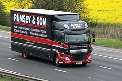 Rumsey & Son Removals SV17 HHN 12th April 2017 M62 near Goole (asdofdsa) Tags: hgv haulage motorway m62 goole rawcliffebridge 17plate removals yorkshire southyorkshire daf
