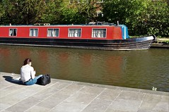 Hard seat (dlanor smada) Tags: aylesbury bucks chilterns grandunion canals relaxing narrowboats