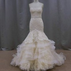 This stapless mermaid lace wedding gown from Darius can be produced in any color you need.  Changes to our #weddingdresses are always allowed.  We also make #replicaweddingdresses for brides who can not afford the couture original.  Get pricing on any des