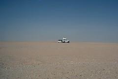 Crossing the Sahara desert with a Toyota BJ40 (long time ago, 1981)... (JOAO DE BARROS) Tags: joão barros toyota car vehicle vintage sahara