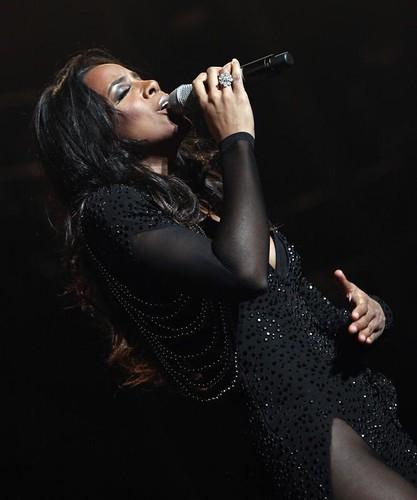 Kelly Rowland (54)