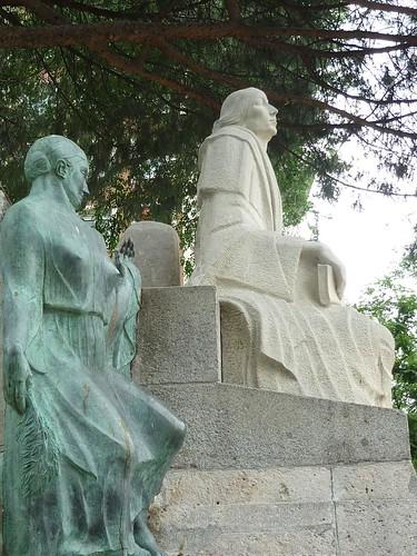Madrid - Parque del Oeste - Monumento a Concepción Arenal