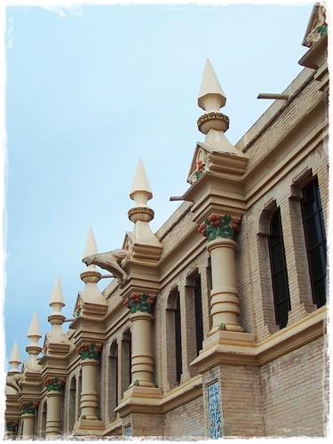 Gàrgoles a l'Antiga Cotonera d'Alzira (València)