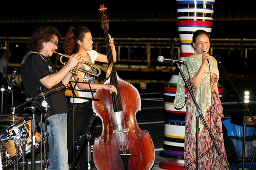 Love Notes played at Takamtsu port for Jazz 2 days in the Setonaikai International Art Festival 2010