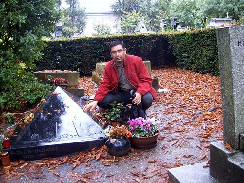 pere-lachaies Cemetery -Sadegh Hedayat - august 2010