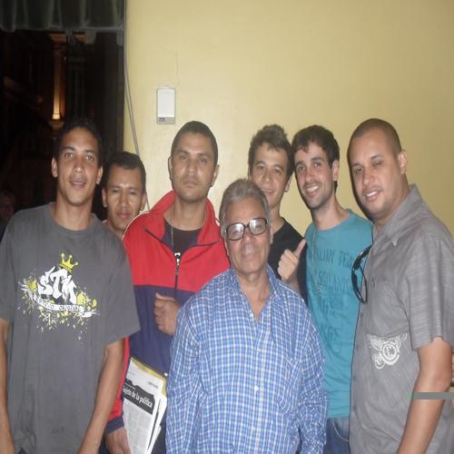 Fotos da visita a rádio Mec. Fiell, Alan, Zé Baixinho, Naldo, Lula e Elder.