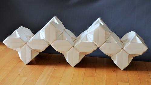 Tricubes - X-Waves (2)