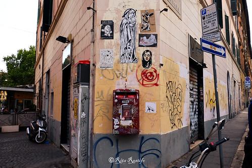Roma. Trastevere. Street art by Merioone, Wuarky, Blackheart.boy, K2m, Tacim Collective, Qwerty, Obey, Zoto