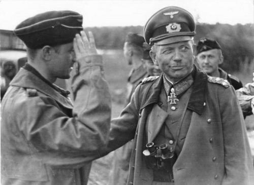 General Heinz Wilhelm Guderian Jefe de la División de Panzar en Moscú