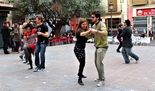 Bailar, esa alegre y armónica forma de vencer a la muerte y todos los tedios