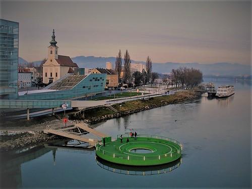 Linz, Upper Austria, state of Austria (the art of very historical places of Linz an der Donau/Danube), Nibelungenbrücke (Nibelungen bridge)