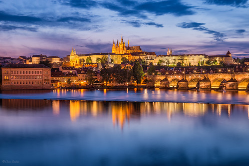 Bohemian Nights || Noches de Bohemia (Mala Strana and the Charles Bridge, Prague)