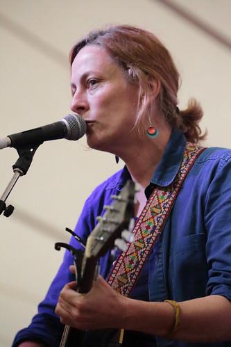 Sarah Harmer Sings