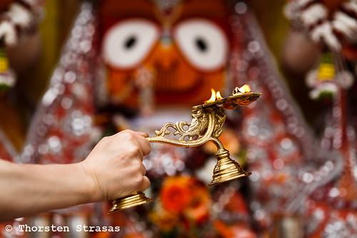 Krishna Anhänger begehen das Ratha Yatra Fest in Berlin