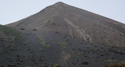 LA GERIA VALLEY LANZAROTE VOLCANO MOUNTAINS