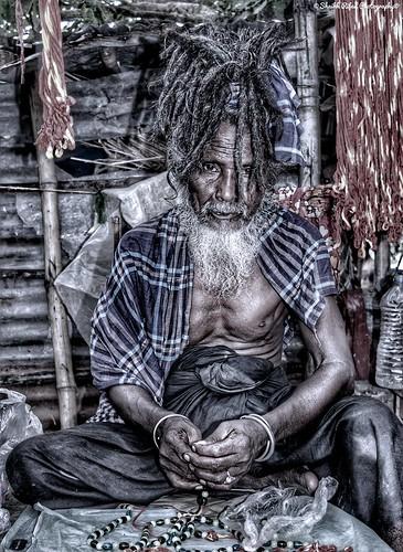#nun #Portrait  #street #bangadesh #photography  #Nikon #Click #NikonLover #FollowMe #Follow4follow #gununkaresi #bugununkaresi #sonnenuntergang #stevenuniverse #gununfotografi #instagunung #gunungkidul #westernunion #gununfotosu #zeichnung #tenun #gunung