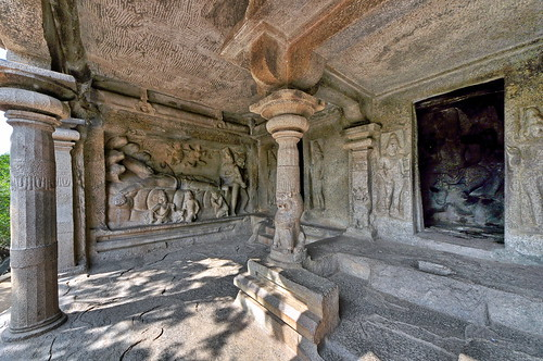 India - Tamil Nadu - Mamallapuram - Mahishasura Mardhini Cave Temple - Seshasayi Vishnu Panel - 108