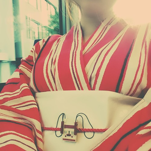 nsx: 今年初めて浴衣着た!ファミコンの帯締め見て😊 http://pic.twitter.com/FFazqBiPX4 — YMCK 栗原みどり (@midori_kurihara) September 3, 2017
