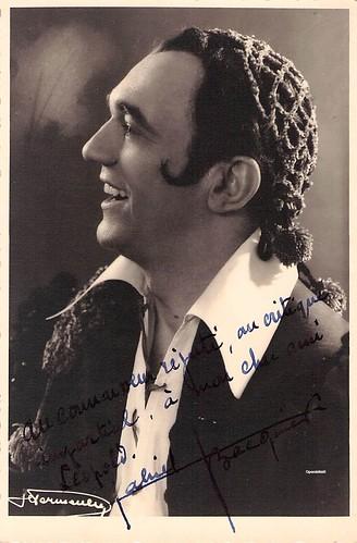 BACQUIER, Gabriel, Figaro, Le Barbier de Séville, Monnaie, 1953-1956. Mise en scène de Roger LEFEVRE.