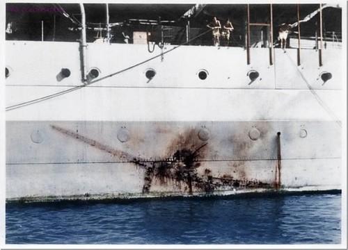 kamikazi hit 1945