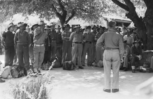 Captain Otto Brown addresses troops for their two days rest period at the Australian Comforts Fund and YMCA Rest Centre on Magnetic Island