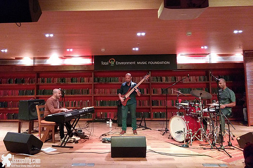 Pablo-Lapidusas-Trio-1
