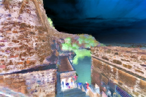 India - Rajasthan - Chittorgarh Fort - Water Tank - 203bb