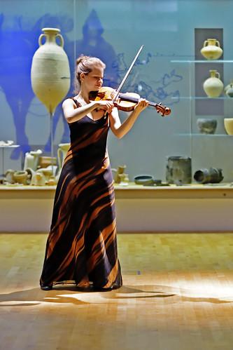 Liv Migdal   Violine 10