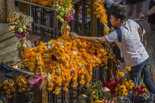 Thailand - Bangkok - Erawan Shrine offerings_DSC6318