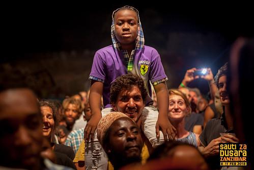 Saida_Karoli_(Tanzania)_audience_SzB2018_photo_Ismail_Ali_Abeid_(Ishu)_IMG_8492_w