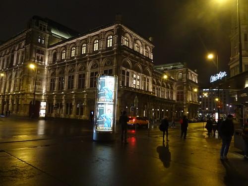 Wien, 1. Bezirk (the art of very historic institutions of Vienna), Wiener Staatsoper, Ópera Estatal de Viena, L'opéra d'État de Vienne, Vienna State Opera, Opera Wiedeńska (Herbert-von-Karajan-Platz/Opernring/Kärntner Straße)