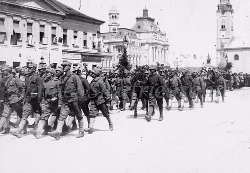 Oradea, ROMÂNIA (20 aprilie 1919). Eroica Armată Română a eliberat orașul de ocupația ungurească și ciuma roșie a lui Bela Kuhn, continuându-și drumul spre Tisa și Budapesta.