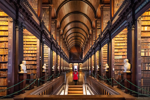 Once Upon a Time || Había una Vez (The Long Room of the Old Library at Trinity College, Dublin. Ireland)