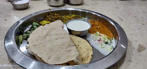 Jolad rotti oota (Typical North KA meal) at Basaveshwar Khanavali