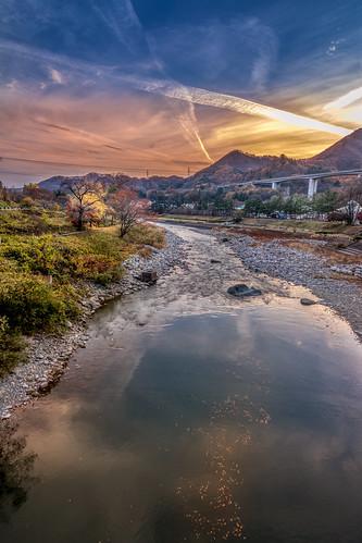 Facing the sunset in Minakami