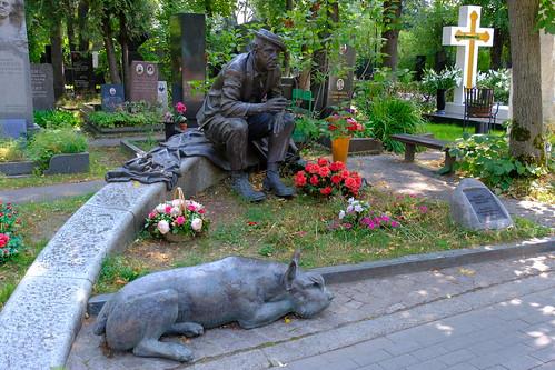 XE3F4290 - Yuri Nikulin, Cementerio Novodévichi, Moscú – Yuri Nikulin , Novodevichy Cemetery, Moscow - Юрий Никулин , Новоде́вичье кла́дбище, Москва